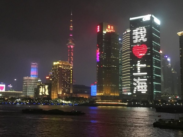 Night Cruise on River and Local Food Scene - Private Tour in Shanghai