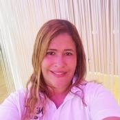 Private tour guide Michelle