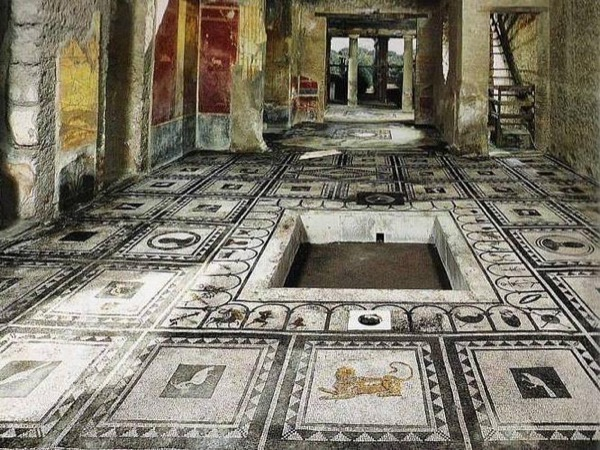 Guided Tour in Pompeii with Transfer from Positano or Amalfi to Naples