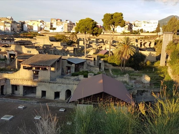Two-hour guided tour of Herculaneum