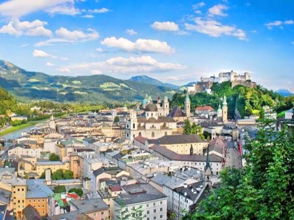 Private customized day trip to Salzburg from Linz/Passau for cruise guests