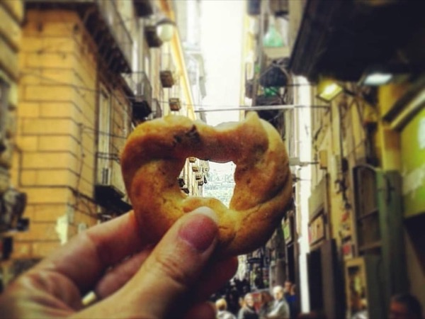 Naples for food lovers walking tour