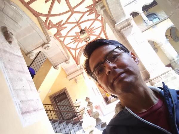 Private tour guide Armando