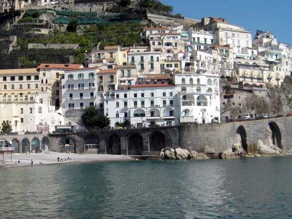 Incredible Amalfi Coast with Van from Naples