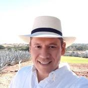 Private tour guide Ricardo