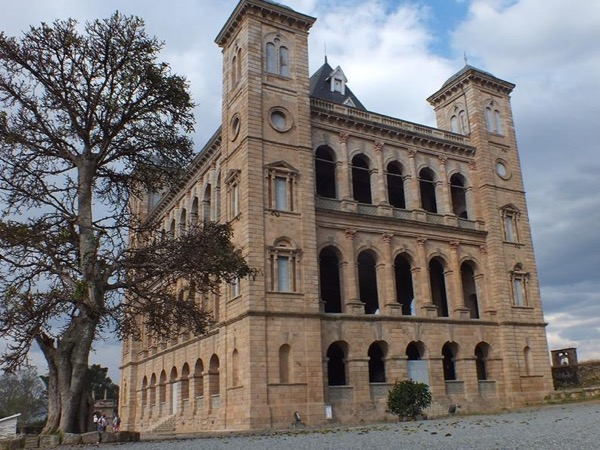A Full Day Private Tour in Antananarivo