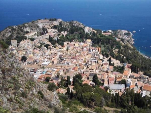 Godfather sites, Etna and Taormina - private tour