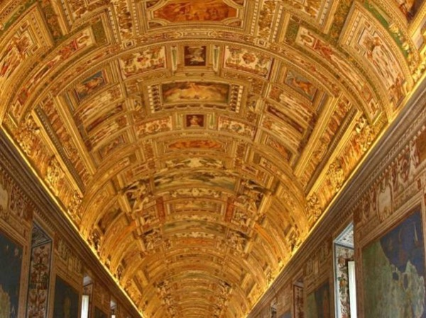 Half-day Tour in Vatican Museum, the Sistine Chapel and St Peter Basilica