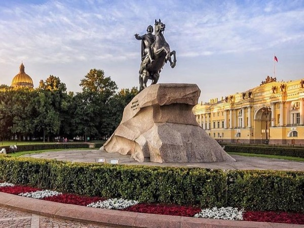 Classic St.Petersburg for 2 days private tour