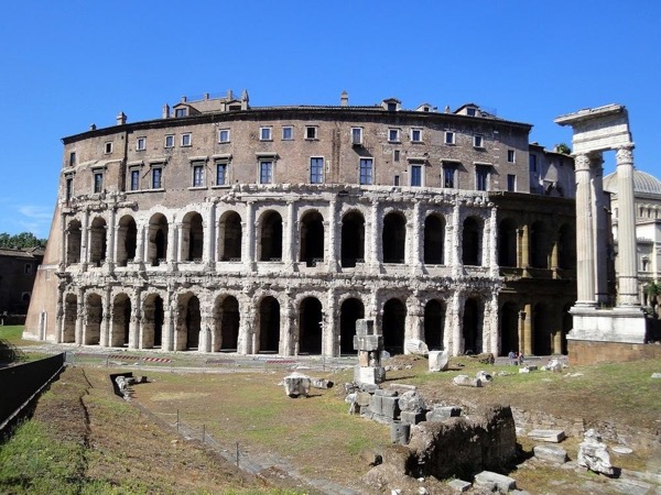 3,5 Hours off the beaten path Rome private driving tour