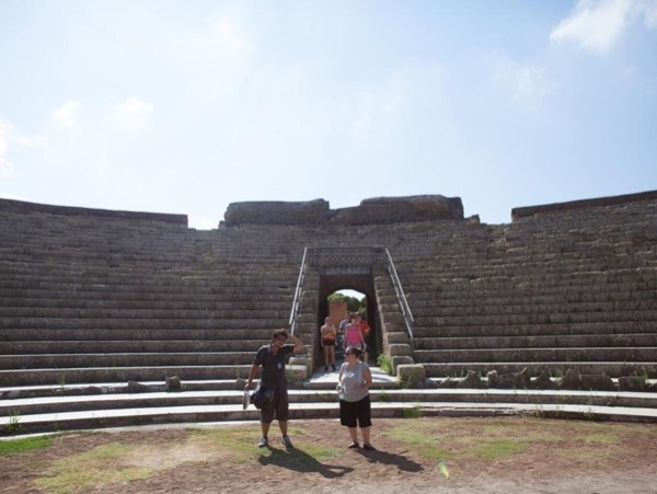 4h Private tour of Ostia antica on a luxury van with an archaeologist
