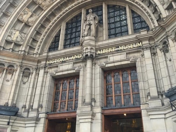 Art and Design at the Victoria and Albert Museum - a private guided tour with expert commentary