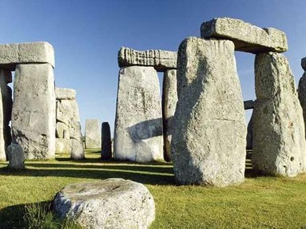 Private Tour of Stonehenge, Salisbury Cathedral Through the English Countryside