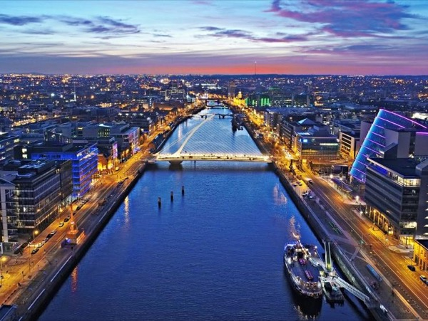 Highlights of Dublin City - 3 Hour Walking Tour with Private Expert Guide