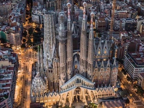 Sagrada Familia with private Licensed guide
