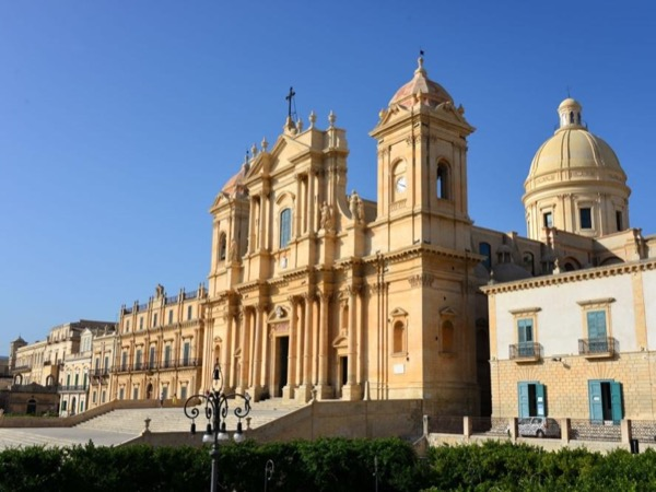 NOTO Half Day Private Tour With Transportation From Syracuse
