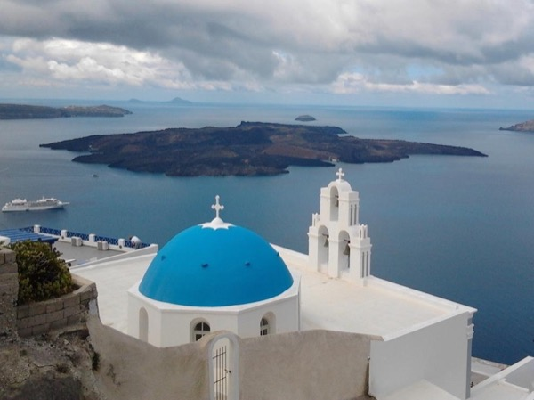 Santorini highlights and wine tasting