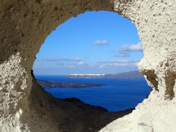 Crescent-Shaped Full Day Santorini Tour