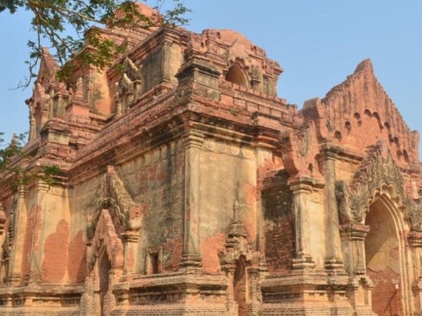 2-Day Private Tour in Yangon and Bagan w/ Flight