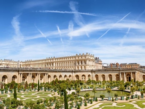 Private Guided Tour in Versailles (8 Hours)
