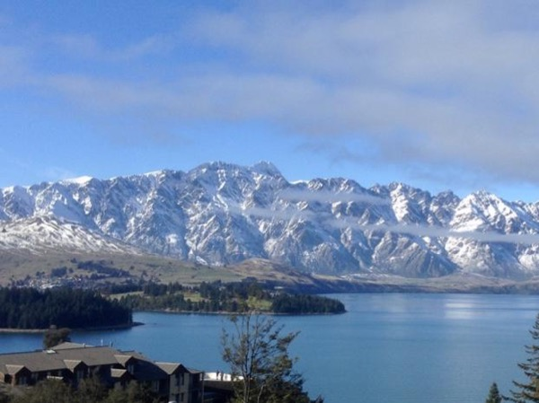 Queenstown - Southern Lakes Ski Area - Full Day Private Tour/Transfer From ChCh WITH RETURN to Christchurch