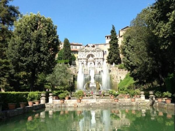 Exploring Tivoli: Villa Adriana and Villa D'Este Private Tour