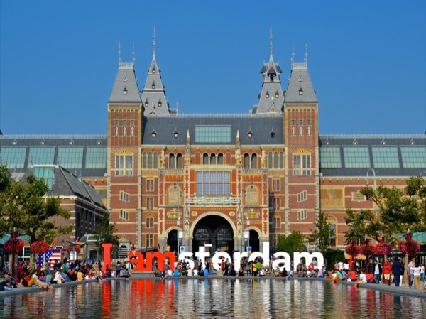 Amsterdam Stories and Secrets Full-Day Private Tour