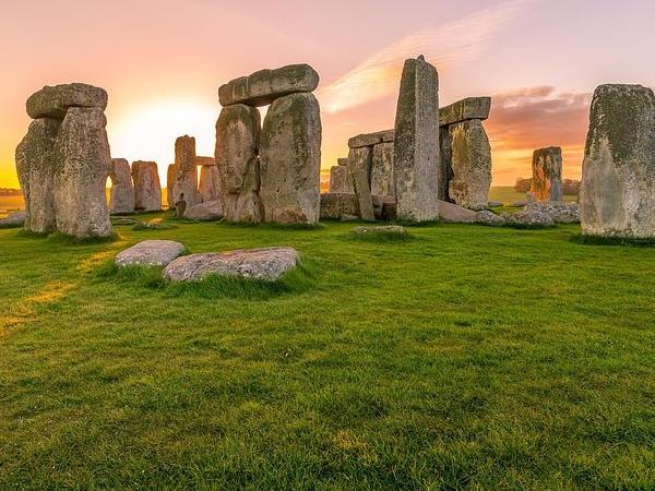 Stonehenge and Windsor Castle in one day : Private Driving Tour