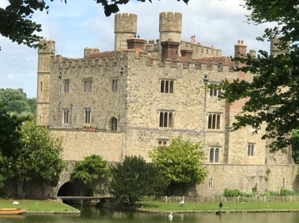 Gardens, Castles and Cathedrals of Kent : 2 Day Private Guided Driving Tour