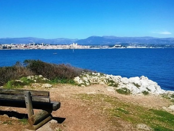 The French Riviera Tour and its countryside. Scenic and charming !