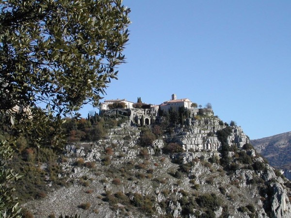 A day Tour in Provence from Nice. The charming villages at the feet of the French Alps !