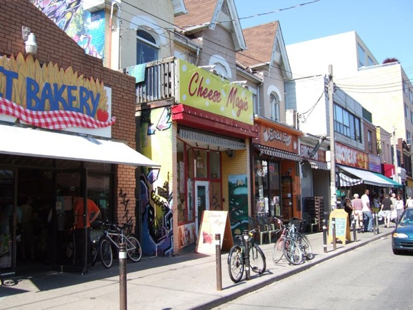 A Private Walking Beer & Food Tour of Kensington Market