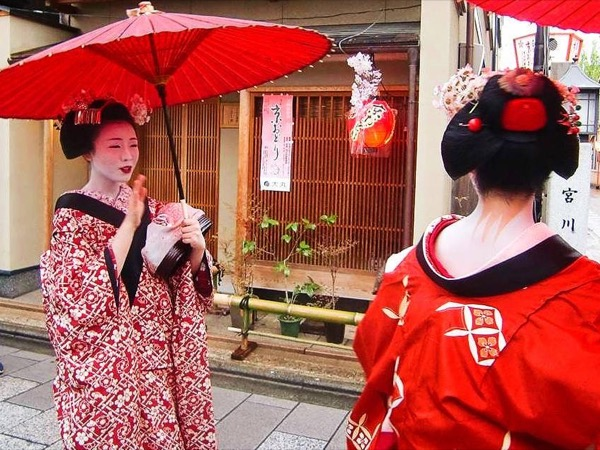 4 hour-orientation private tour in KYOTO