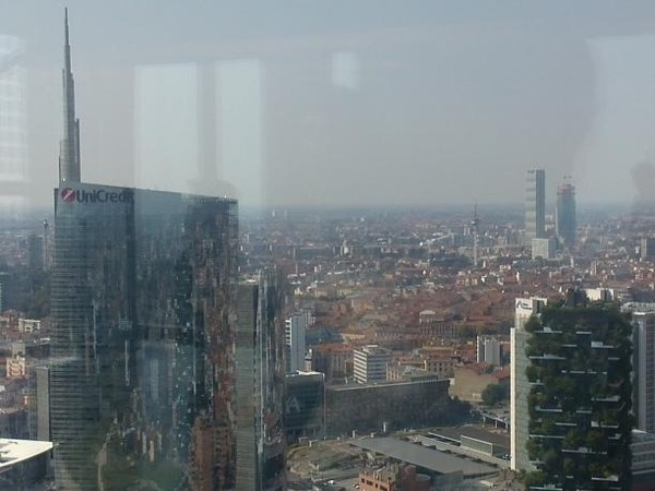 A private tour to the new districts in Milano