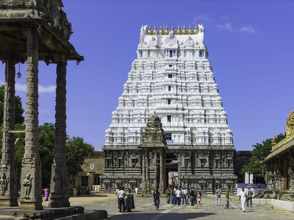 The Temples of Kanchipuram: A Deep Dive into Ancient South India.