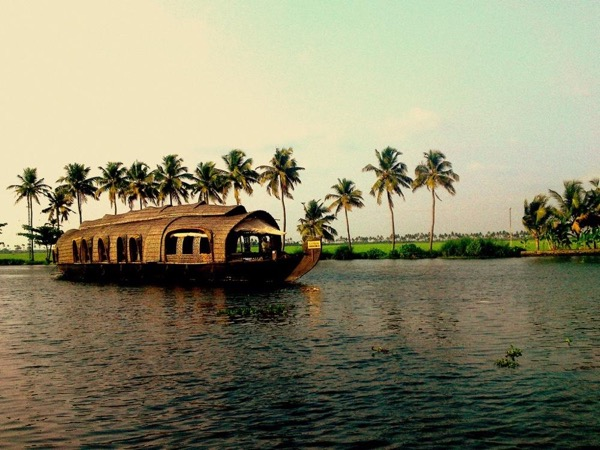 Cochin Backwater cruise Tour