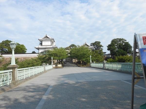 Kenrokuen garden Kanazawa castle park half day tour