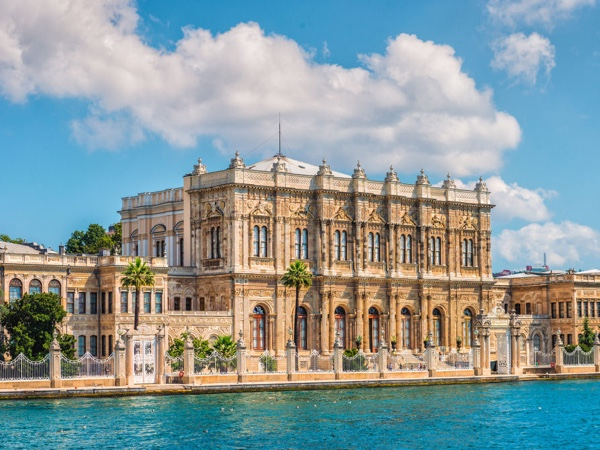 Private Bosphorus Cruise, Dolmabahce Palace And Spice Market Tour