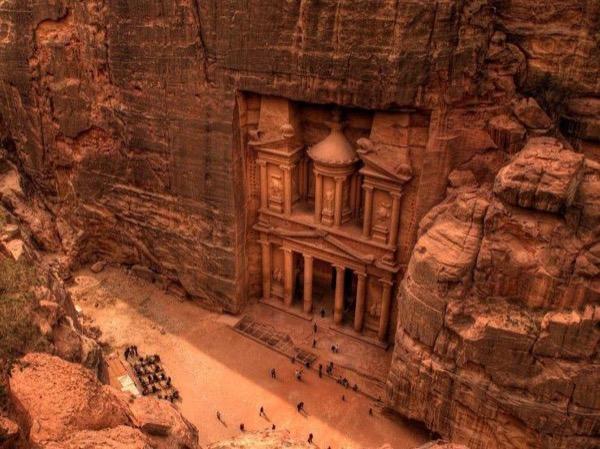 Amman to Petra roundtrip tour