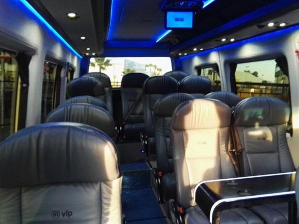 Private TRANSFER with Tour along the way