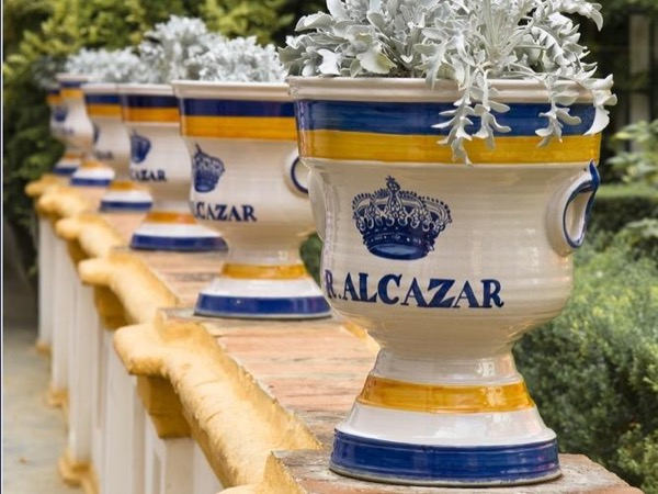 2h30 Seville Royal palace Alcazar and gardens Private Tour + City introduction