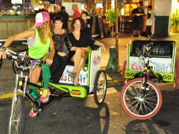 Waikiki After Dark with O'ahu's Top Rated Private Tour Guide