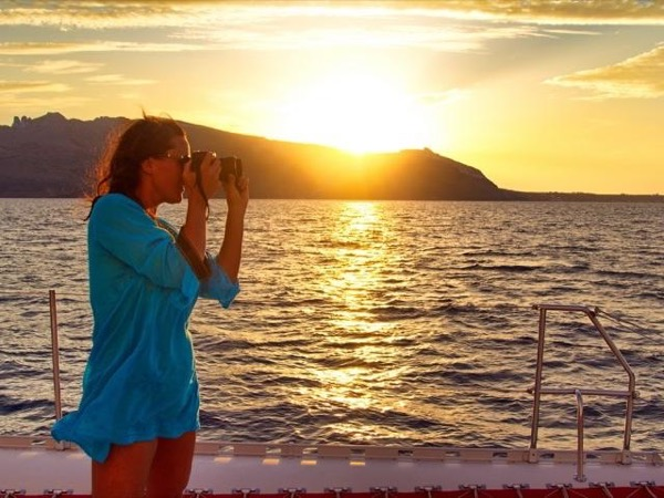 Sail Santorini and the Aegean Photography Sunset Cruise Private Tour