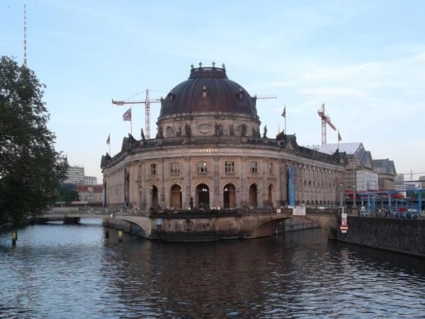 Private Tour of Museum Island and a Visit to the New Museum