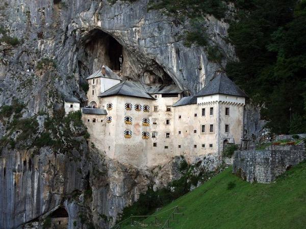 Ljubljana, Postojna cave & Predjama castle