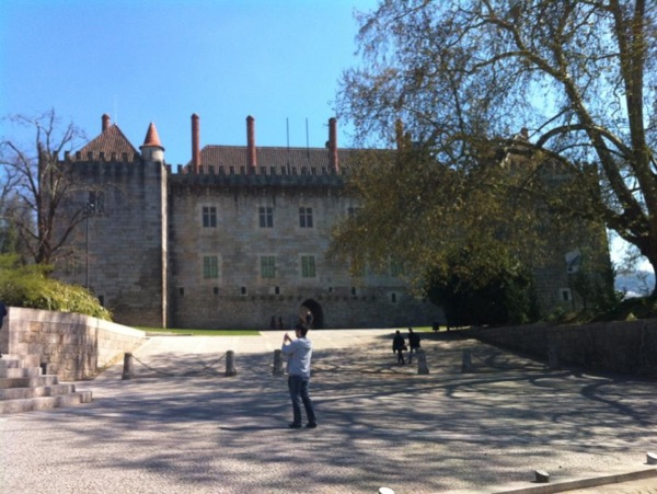 Guimarães Tour with Michelin Star Lunch & Vinho Verde Wine Tasting