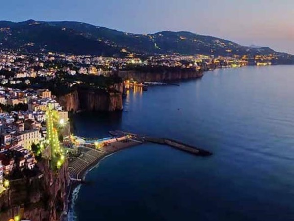 Private tour from Positano to Sorrento in the night with or without dinner