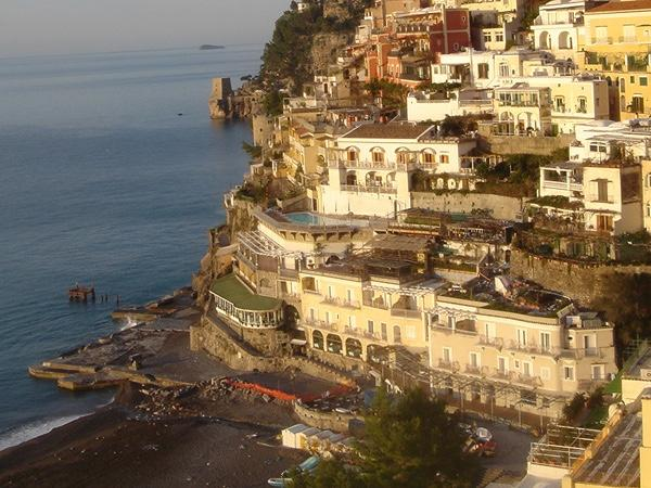 Private transfer from Naples train station/airport to Positano