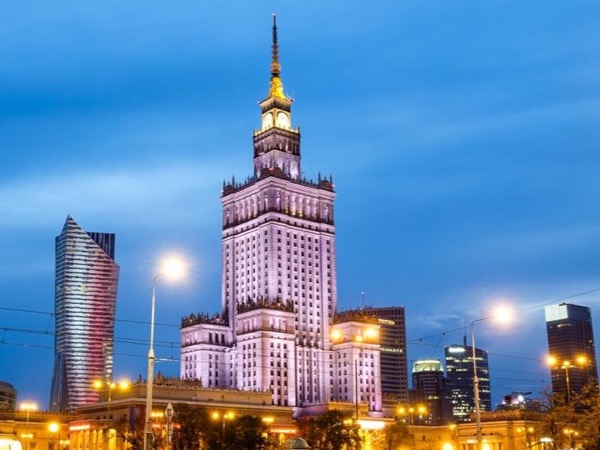 Warsaw between flights - private tour