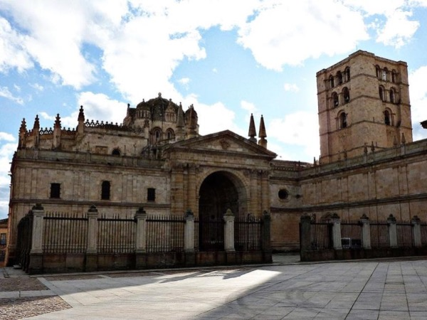 Zamora Walking Tour